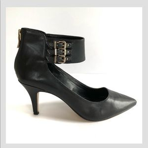 NEW BCBG black heels with ankle buckle size 7.5